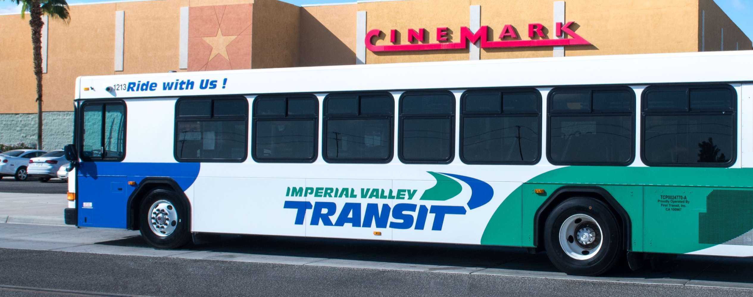 IV Mall, Cinemark can be seen behind bus